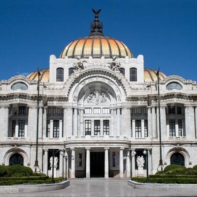 que-hacer-en-el-centro-de-mexico-bellas-artes-min
