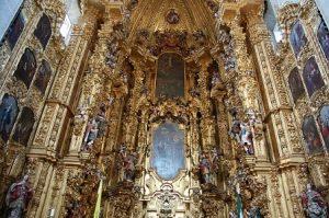 Catedral-Metropolitana-razones-para-visitar-ciudad-de-mexico-min