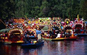 Floating-Gardens-of-Xochimilco-CDMX-landmarks-min