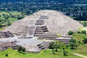 Teotihuacan-Pyramids-cosas-que-hacer-en-ciudad-de-mexico